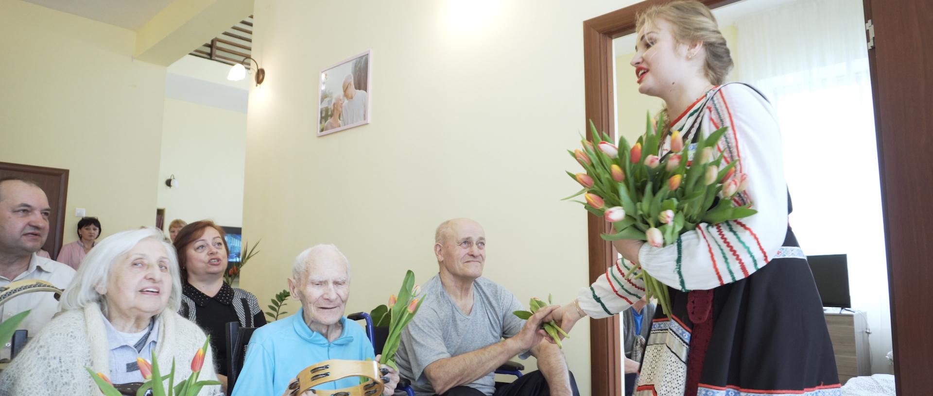 Дом для пожилых добрый день в мичуринское каргопольский дом интернат для престарелых и инвалидов сайт