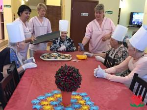 День кондитера в пансионате для пожилых людей