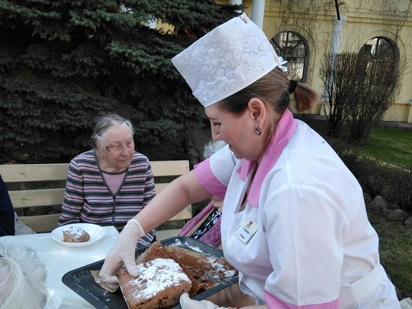 День труда в пансионате для пожилых людей Поколение
